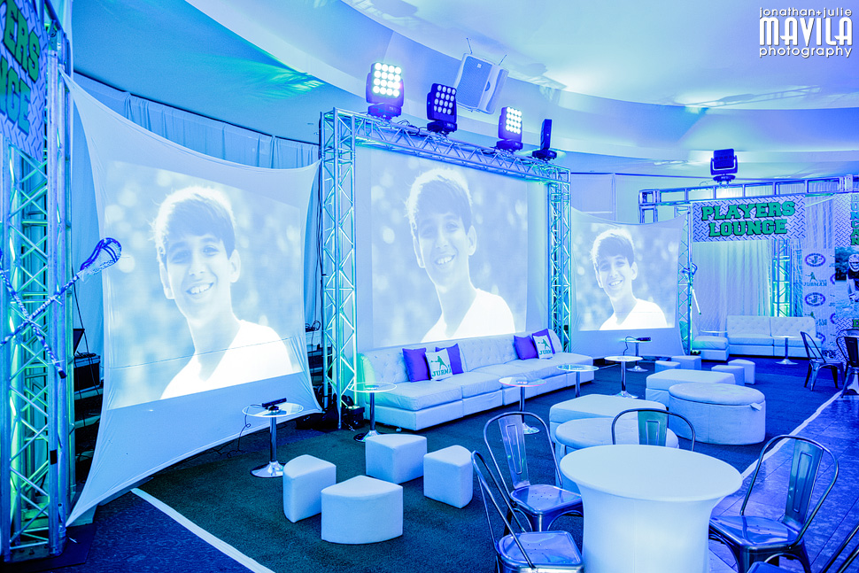 10-mavila-photography-south-florida-weston-dor-dorim-bar-mitzvah-Blue-Decor.jpg
