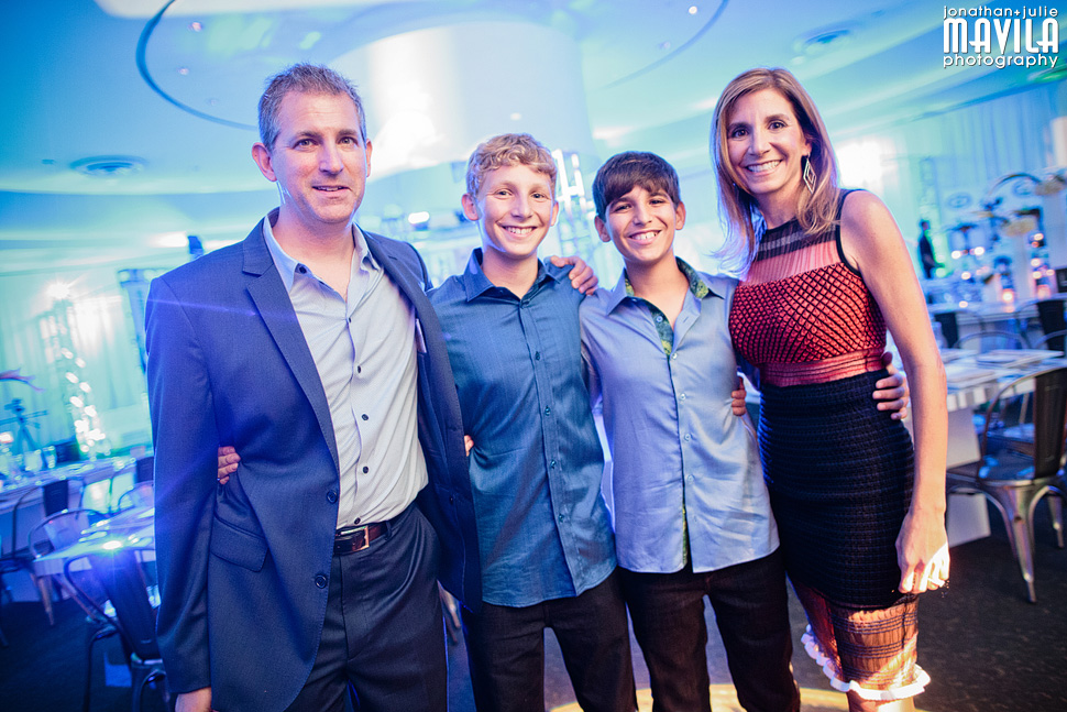 31-mavila-photography-south-florida-weston-dor-dorim-bar-mitzvah-Family.jpg