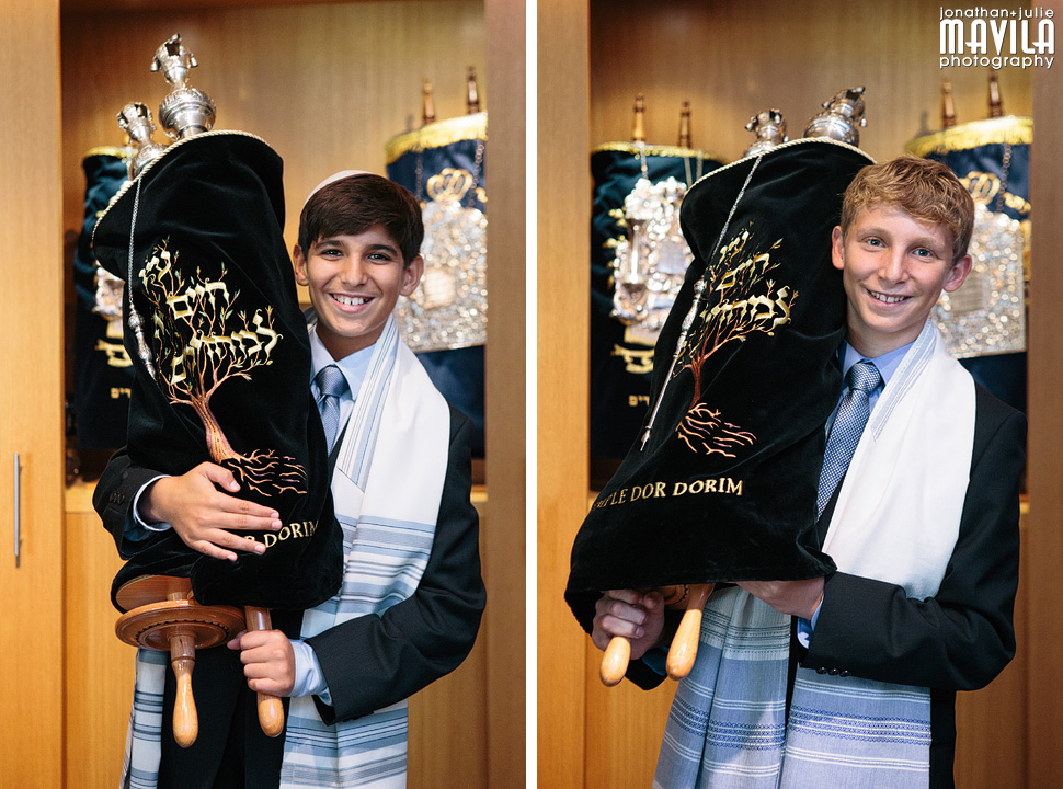 5-mavila-photography-south-florida-weston-dor-dorim-bar-mitzvah-Brothers-Torah.jpg