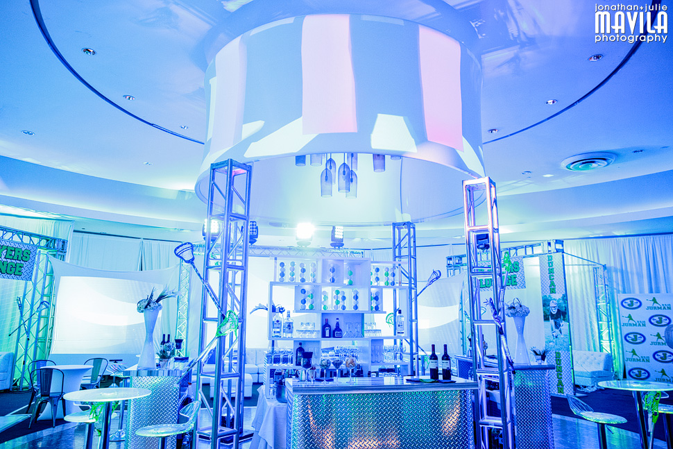 9-mavila-photography-south-florida-weston-dor-dorim-bar-mitzvah-Blue-Decor.jpg
