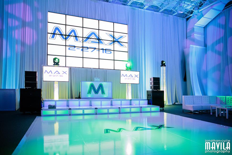 05-Mavila-Photography-Max-Miami-JW-Marriott-Marquis-Bar-Mitzvah-Dale-DJ-Decor.jpg
