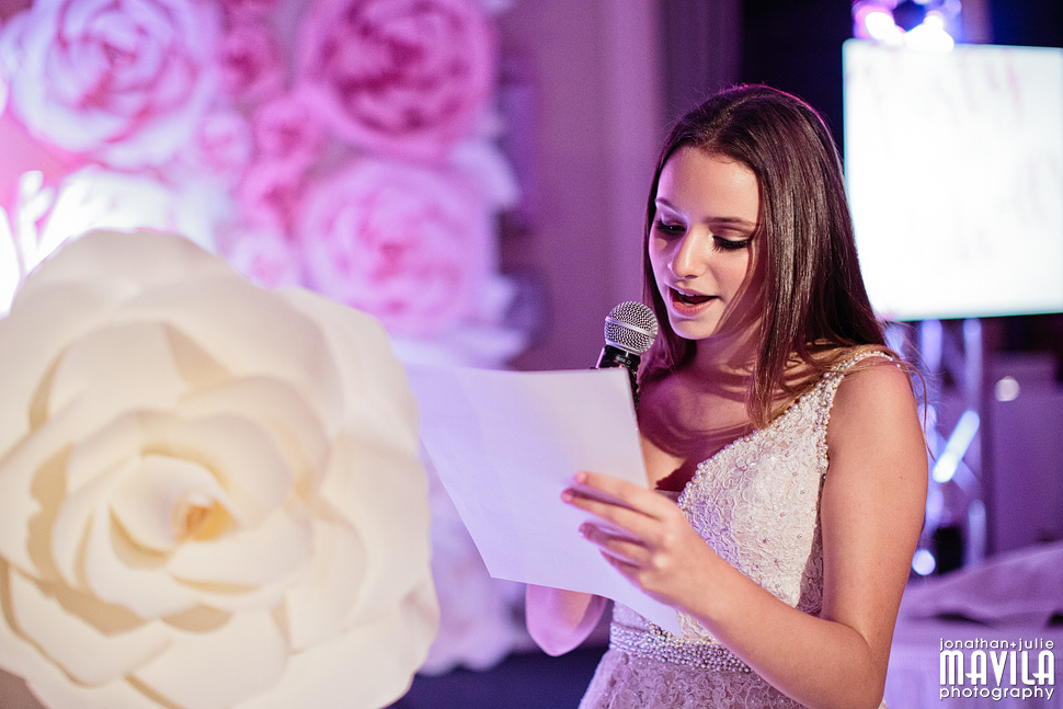 15-Mavila-Photography-Bat Mitzvah-candle-lighting.jpg