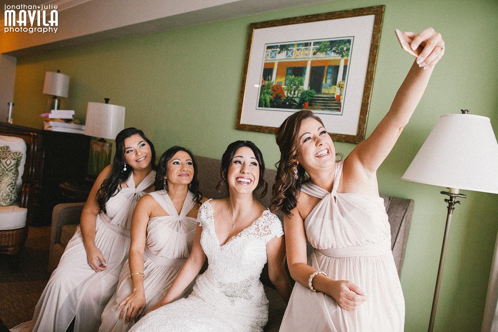 09-Riverside-Hotel-Las-Olas-Bridal-Party-Selfies-Wedding.jpg