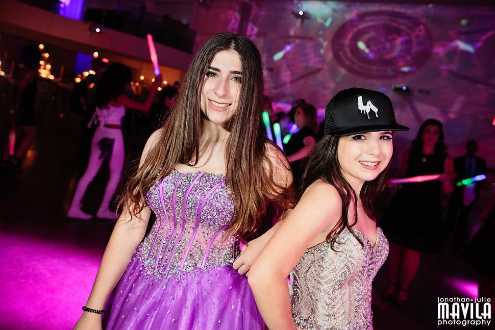 29-Mavila-Photography-Massry-Mitzvah-Sisters-Mitzvah-Temple-Miami.jpg