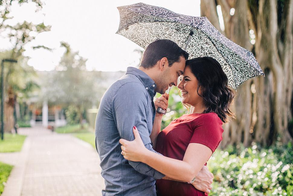 03-Mavila-Photography-Engagement-Cassie-Gabe-Rain-umbrella.jpg