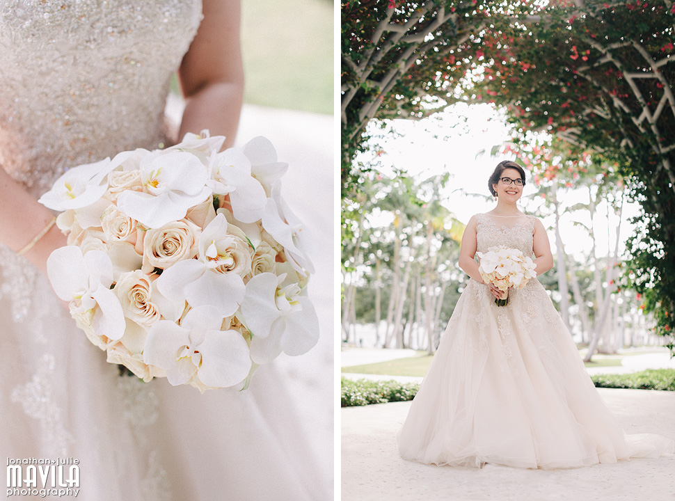 13-Mavila-Photography-Wedding-Bride-Gown-Flowers.jpg