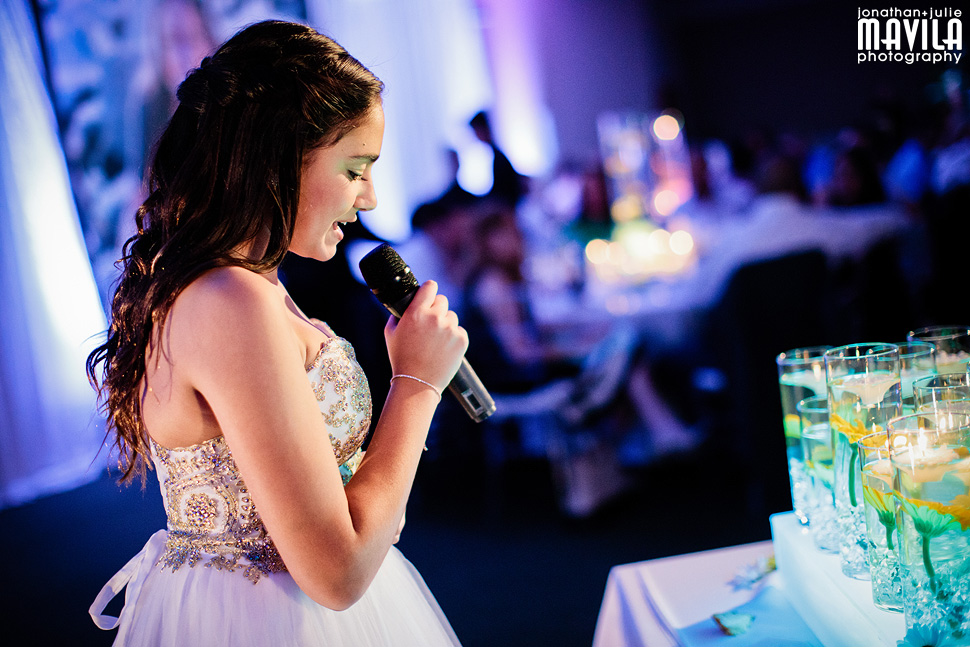 10-Mavila-Photography-Bat-Mitzvah-Isabel-Cohen-candlelighting.jpg