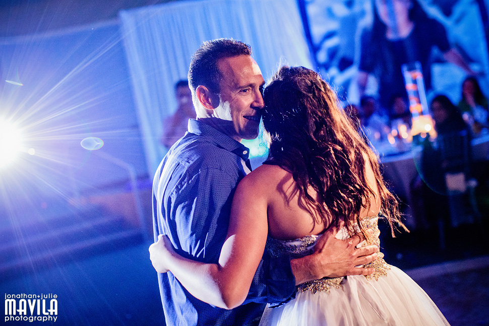18-Mavila-Photography-Bat-Mitzvah-Isabel-Cohen-father-daughter-dance.jpg