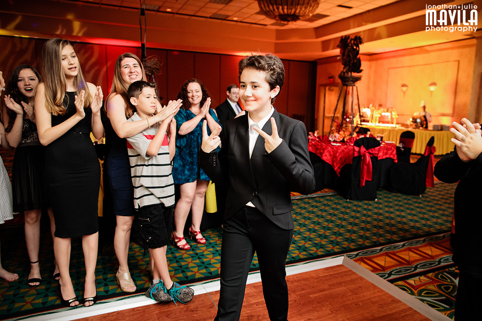 09-Bat-Mitzvah-Party-Dragon-Entrance-Marriott-Coral-Springs-Florida.jpg