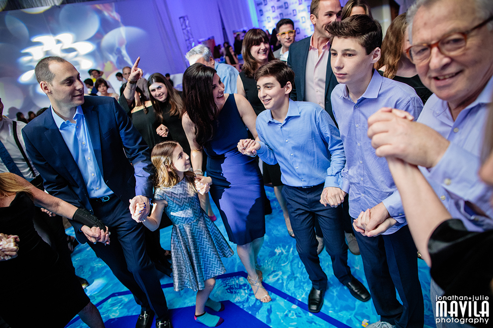 16-Dylan-Smiley-Bar-Mitzvah-Party-Pictures.jpg